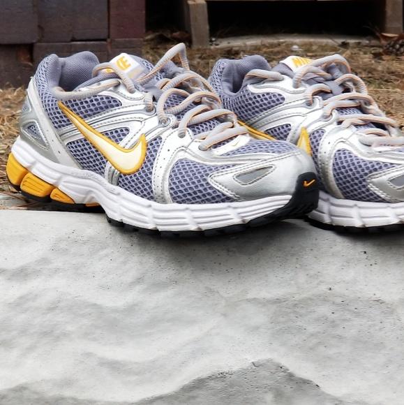 جرو معوجة هبة Retro Running Shoes Nike Dsvdedommel Com